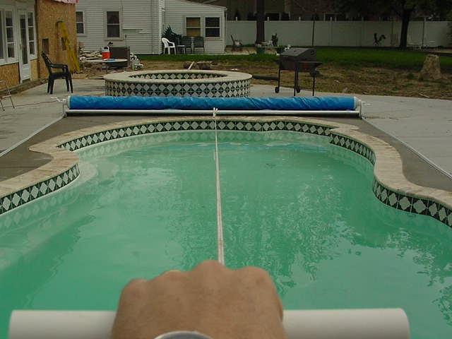 how to manually open automatic pool cover